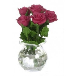 ROSES IN GLASS VASE/RED