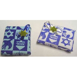 WRAPPED CHANUKAH GIFT BLUE OR WHITE