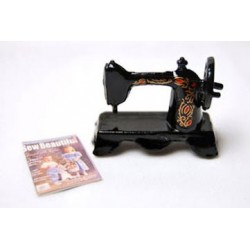 Sewing Machine W Magazine