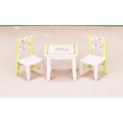 Child's Table/2 Chairs/cb
