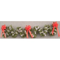 SSN: RED/SILVER STAIR GARLAND