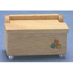 &AZT6051N: (CLA10602) +TOY CHEST, OAK
