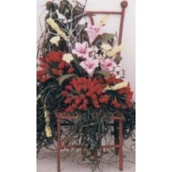 IRON CHAIR/FLOWERS